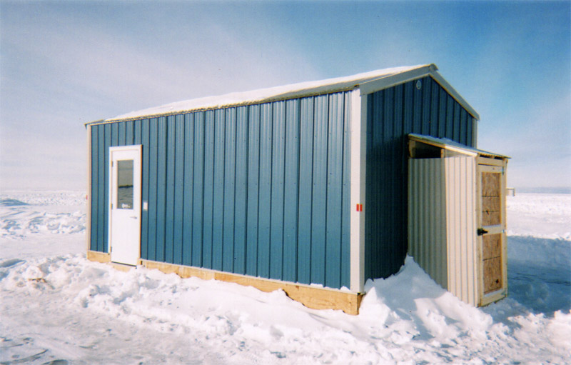 Ice fish house rentals on upper red lake red lake adventures for Red lake fish house rental