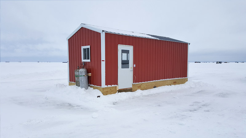 Ice fish house rentals on upper red lake red lake adventures for Red lake fish house rentals